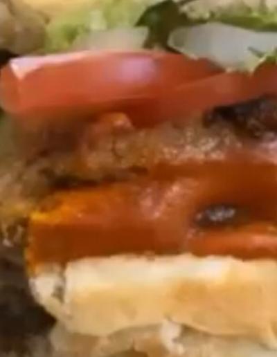 #veganburger #veganbreakfast #blondies #breakfastsandwich #eat #vegan #food #honolulu #hawaii #ohau #food #delivery #curbsidepickup
